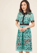 Afa7152 Every great wardrobe is built on one powerful piece - let this turquoise shirt dress be yours! With the the crisp black collar and matching sleeve trimmings, sheer neckline, and poppy-red dandelion print of this ModCloth-exclusive, floral lace midi in you