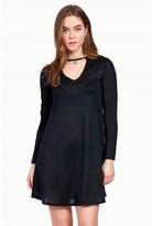 Select Fashion Fashion Womens Black Choker Pendant Shift Dress - size 6