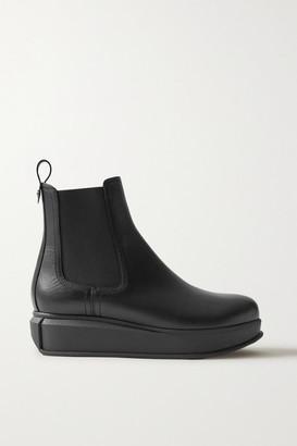 Salvatore Ferragamo Kay Leather Chelsea Boots - Black