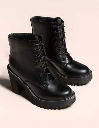 Madden-Girl Lace Up Lug Boot