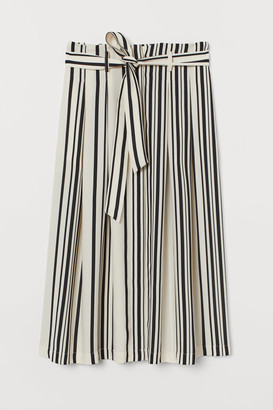 H&M Tie-belt skirt