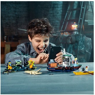 Lego 70419 Wrecked Shrimp Boat with with AR games App