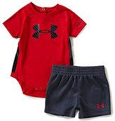 Under Armour Baby Boys Newborn-12 Months Tilt Shift Sportster Color Block Bodysuit & Solid Shorts Set