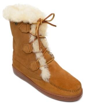 Minnetonka Women's Juniper Sheepskin Lace-Up Boots Women's Shoes