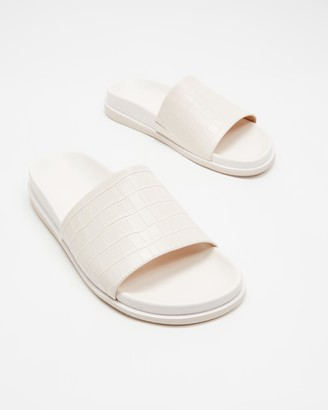 Atmos & Here Zoe Leather Slides