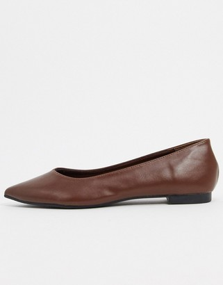 Truffle Collection faux leather pointed ballet flats in chocolate