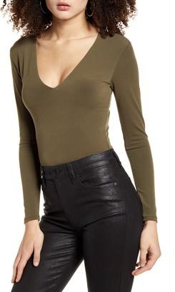 Leith Deep V-Neck Long Sleeve Bodysuit