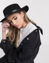 Asos Design DESIGN felt boater hat with metal detail in black