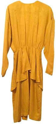 Non Signã© / Unsigned Yellow Silk Dresses
