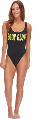Body Glove Women's Smoothies The Look Solid One Piece Swimsuit