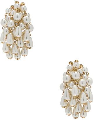 Lele Sadoughi Pearl Cluster Earrings in Pearl   FWRD