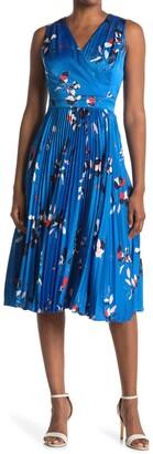 Maggy London Floral Sleeveless Pleated Midi Dress
