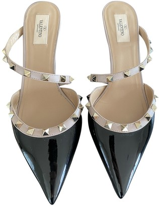 Valentino Rockstud Black Patent leather Heels