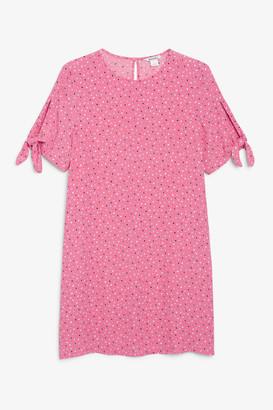 Monki Short-sleeved swing dress