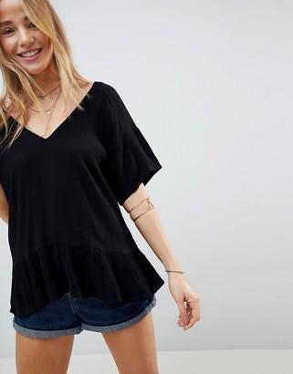 Asos Design DESIGN Ruffle Hem T-shirt in Crinkle-Black