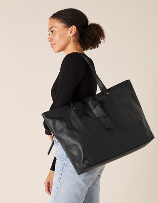 Under Armour Large Slouch Leather Shoulder Bag