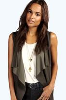 Boohoo Lexi Hamsa Hand Layered Necklace