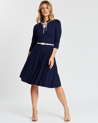 Review Miss Joan Ponte Dress