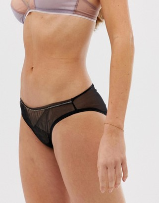 Vanity Fair triangle patch printed brief