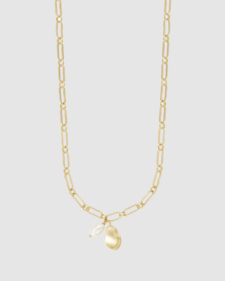 Wanderlust + Co Pocketful Pearl Gold Necklace