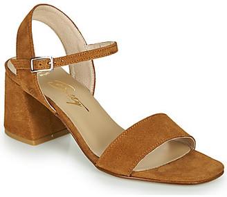 Betty London MAKITA women's Sandals in Brown