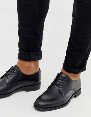 Selected derby shoe in black