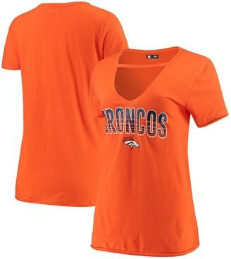 New Era Women's Orange Denver Broncos Gradient Glitter Choker V-Neck T-Shirt