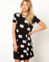 Asos Swing Dress In Monochrome Flower Print With Short Sleeves - Black