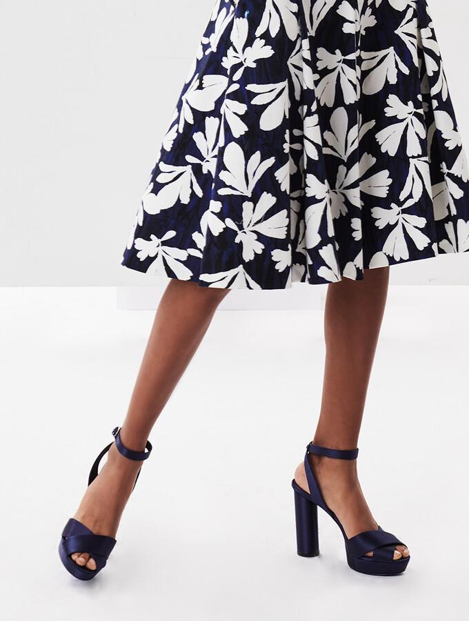 Thumbnail for your product : Oscar de la Renta Satin Dasha Platform Sandals