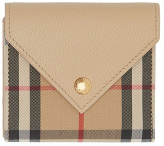 Burberry Vintage Check And Grainy Leather Folding Wallet