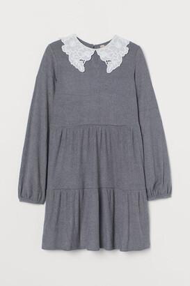 H&M Wide collared dress