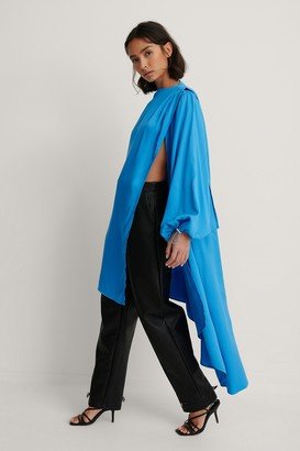 Dressing Up At Home X NA-KD Balloon Sleeve Asymmetric Volume Caftan