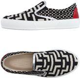 Pause Sneakers