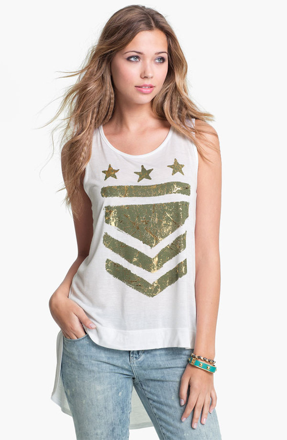 Hip High Low Graphic Tank (Juniors)