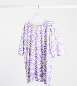 ASOS DESIGN Curve oversized t-shirt in lilac animal