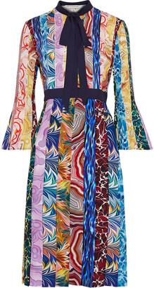 Mary Katrantzou Desmine Pussy-bow Pleated Printed Crepe De Chine Dress