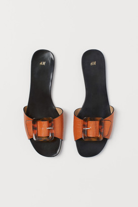 H&M Slides