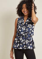 ModCloth Great Gal in the Corner Office Floral Top in Blue Petals in XL - Sleeveless Regular Waist