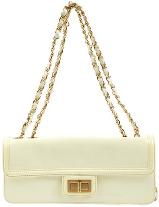 Chanel 2.55 White Patent leather Clutch bags