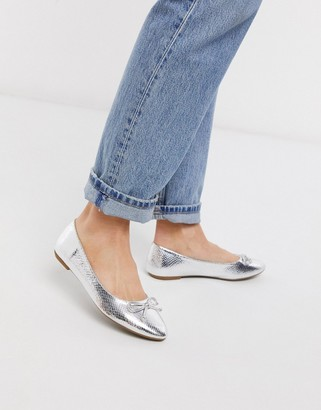 Truffle Collection easy ballet flats in metallic snake