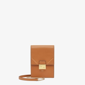 Fendi Vertical Wallet On Chain Kan U