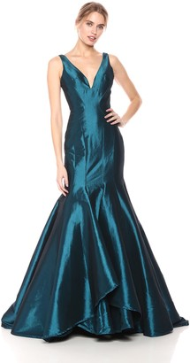 Mac Duggal Womens Multi-Layer Fitted V-Neck Gown