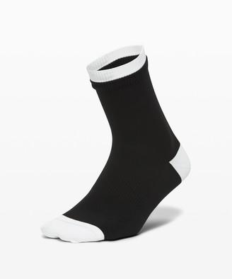 Lululemon Step To It Quarter Sock