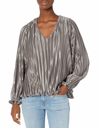 ASTR the Label Women's Holly Pleated V-Neck Long Sleeve Top