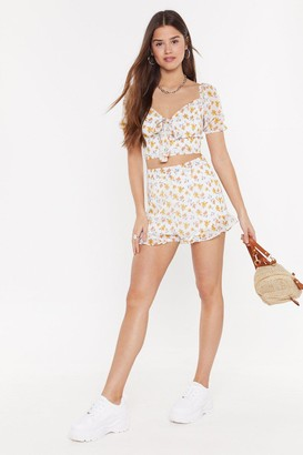 Nasty Gal Womens Always Blooming High-Waisted Ruffle Shorts - White - 14
