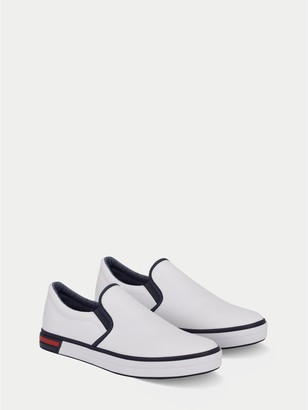 Tommy Hilfiger Solid Slip-On Sneaker
