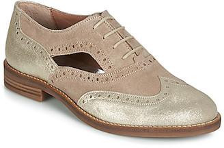 Myma ILLY women's Smart / Formal Shoes in Beige