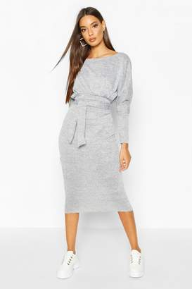 boohoo Crew Neck Batwing Tie Midi Dress
