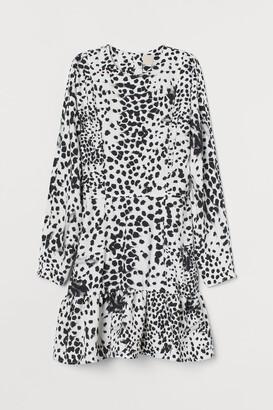 H&M Tapered-waist Dress