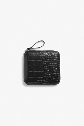 Monki Zippered wallet